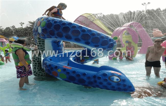 儿童游乐设备-蛇形滑梯