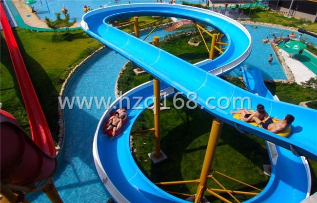 水上乐园螺旋滑梯